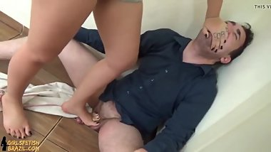 Short Ballbusting Video