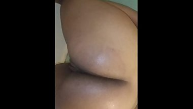 My Big oh booty gf twerking in the shower