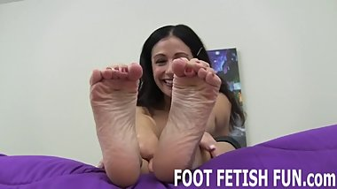 Foot Worshiping And Femdom Feet Porn