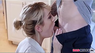Cheating Blowjob From Hot Cougar