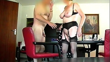Gisela secretary is greeted naked by the chef