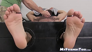 Muscular homo Ricky Larkin gets tickled by a mature gay