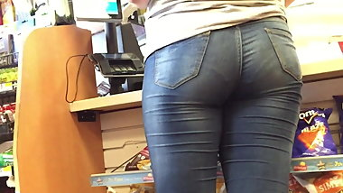 Tight Jeans Ass PAWG Checking Out