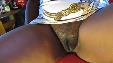 aunty love to show her hairy pussy