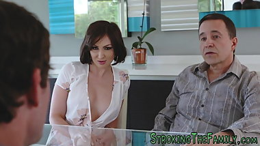 Milf gets pussy pounded