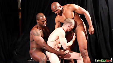 Ebony jock getting his black dong sucked