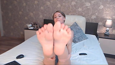 Amazing model (7), showing her sweet soft soles.