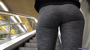 candid big ass PAWG in yoga pants voyeur butts