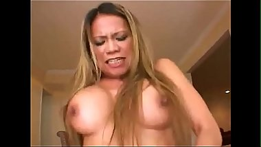 Latina mother shows how to please a man