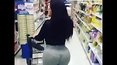 Play Her Station Ent. Hot Big Booty Latina Walking In Supermarket