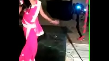 Indian Girl Dancing In saree