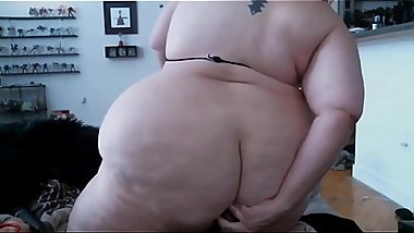 Chubby red Arsenic with huge butt just begging to be stretched