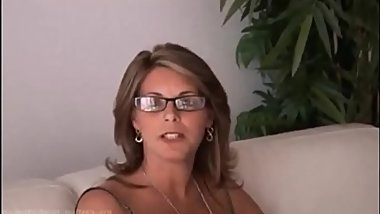 Mom goes crazy in casting and gives great sex