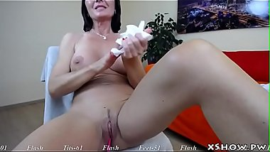 Gorgeous Amateur Mother Masturbating