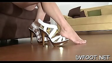 Sexy babe shoves her toe in wet mouth on footdomvideos.com
