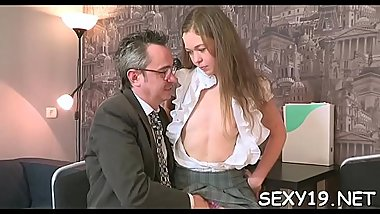 Older teacher is subduing youthful babe'_s wild beaver