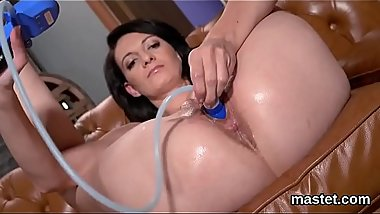 Hot czech sweetie gapes her yummy pussy to the unusual